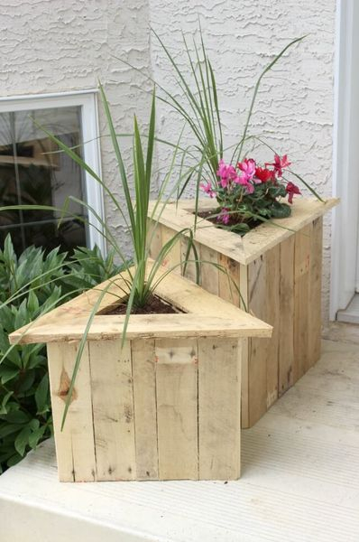 Diy triangular wood porch diy planters with plant and flowers to beautify your garden decoration