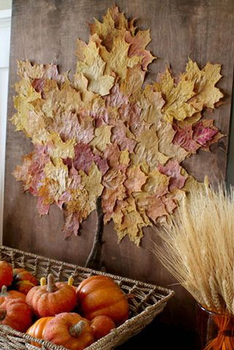 Dry leaves garlands with oversize leaf artwork for home wall decoration