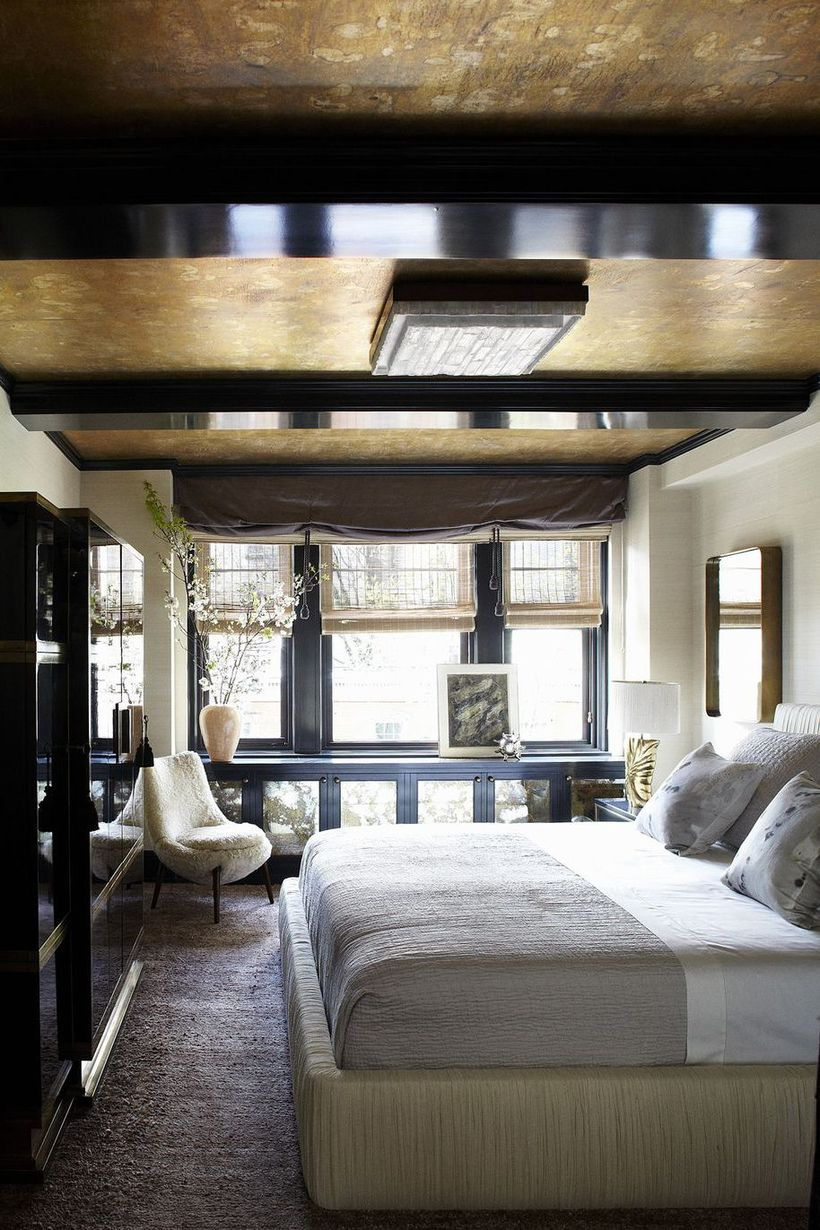 Flat ceiling light