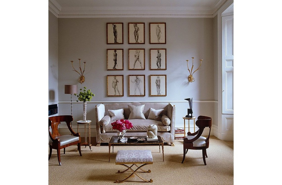 Stunning coral gray color in the living room to make guests more comfortable