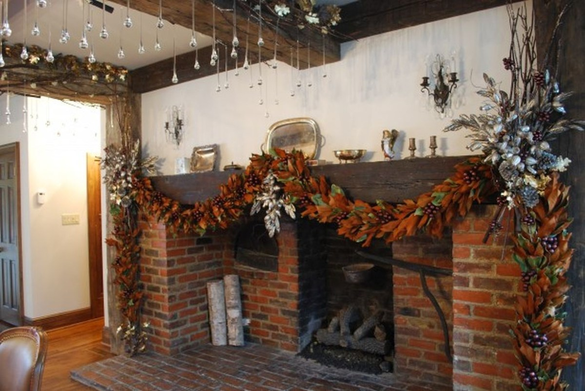 Wonderful dry leaves garlands with unique ornament for fireplace decoration