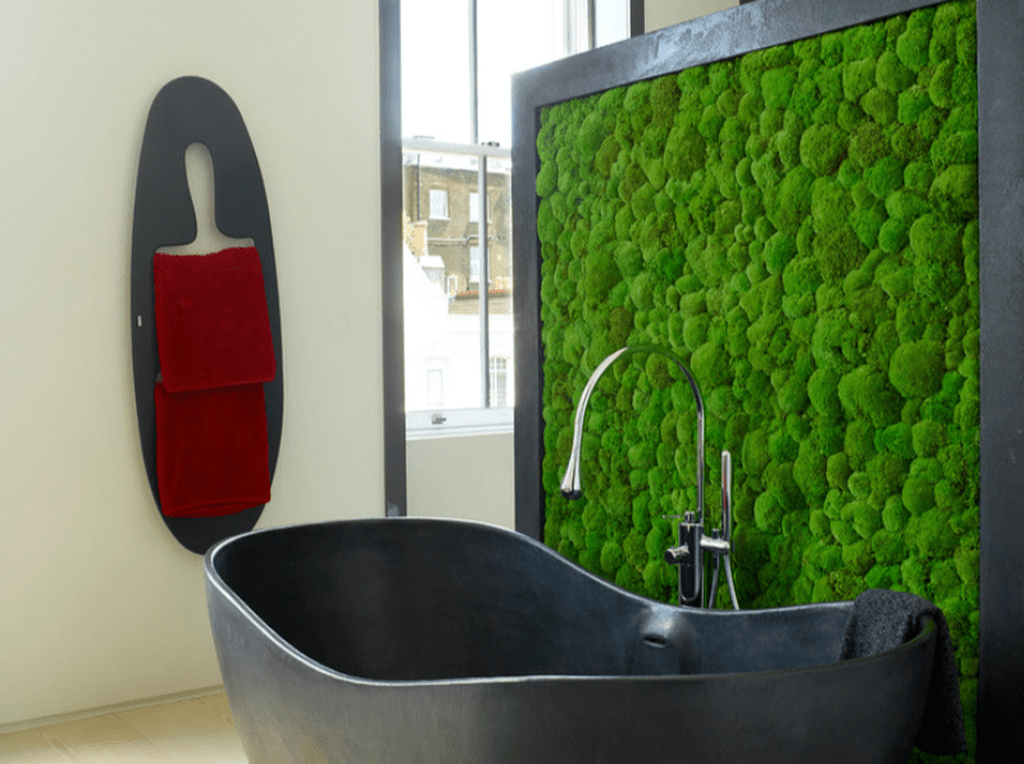 A bathroom wall moss perfect well with the black soapstone tub and zinc frame to complete your bathroom decoration