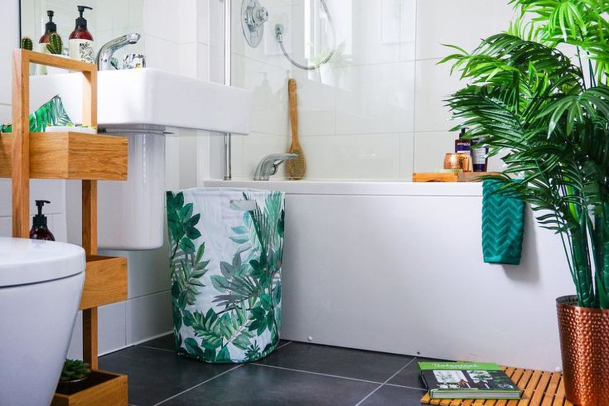 An awesome greenery for home decoration ideas with faux houseplants in the bathroom to look beautify room
