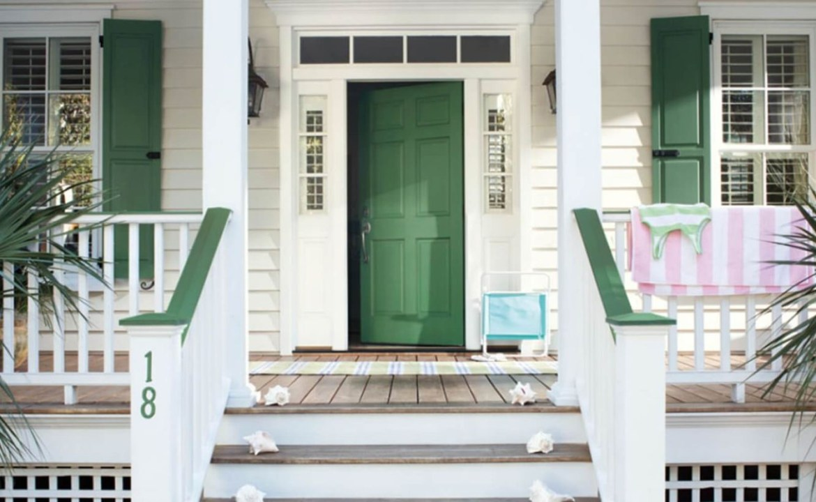 Perfect front door decoration with fresh green door for your home to create fresh nuance