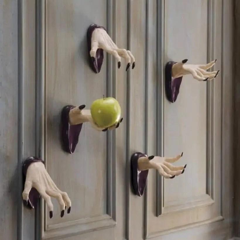 Poison apple halloween door.