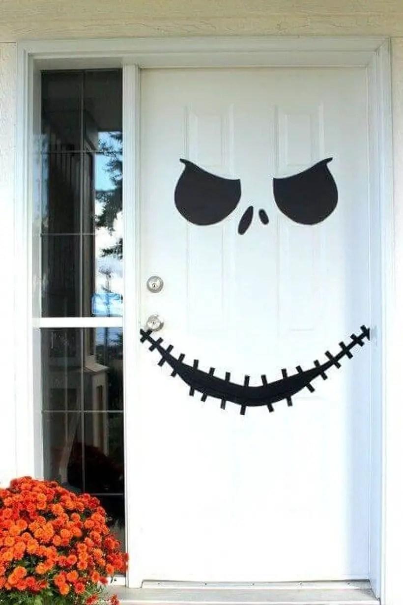 Rack skellington halloween door.