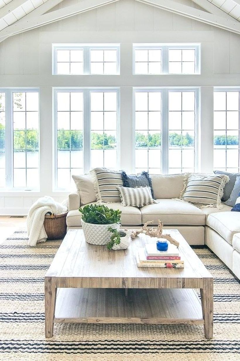 The decoration of the lake house is arranged to gather with your relatives to clean this room as much as possible. Arrange the lake house decoration using a large glass wall. the function of a large wall is to get bright light quickly and add a long sofa so the family can sit comfortably and relax.