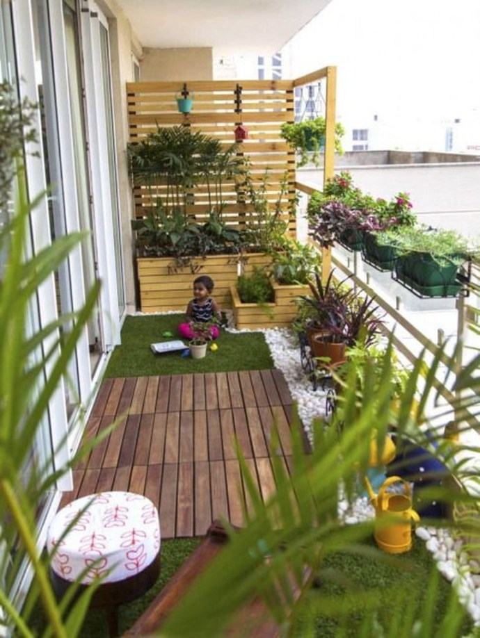 Wooden floor combined with plants decoration