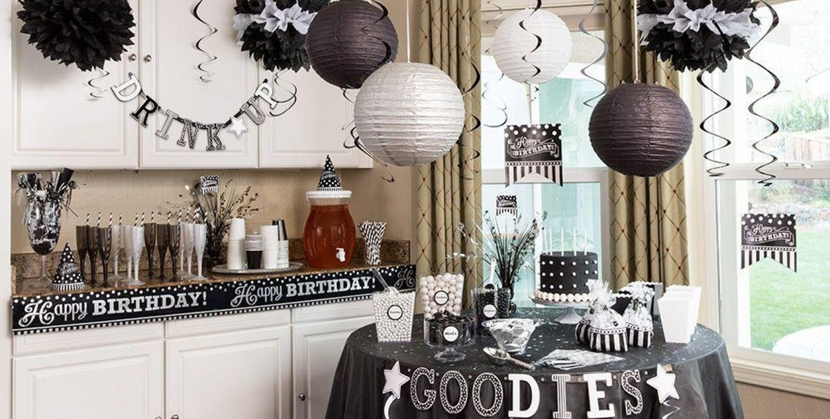 Black and white party themes suitable for decoration of teenage birthdays