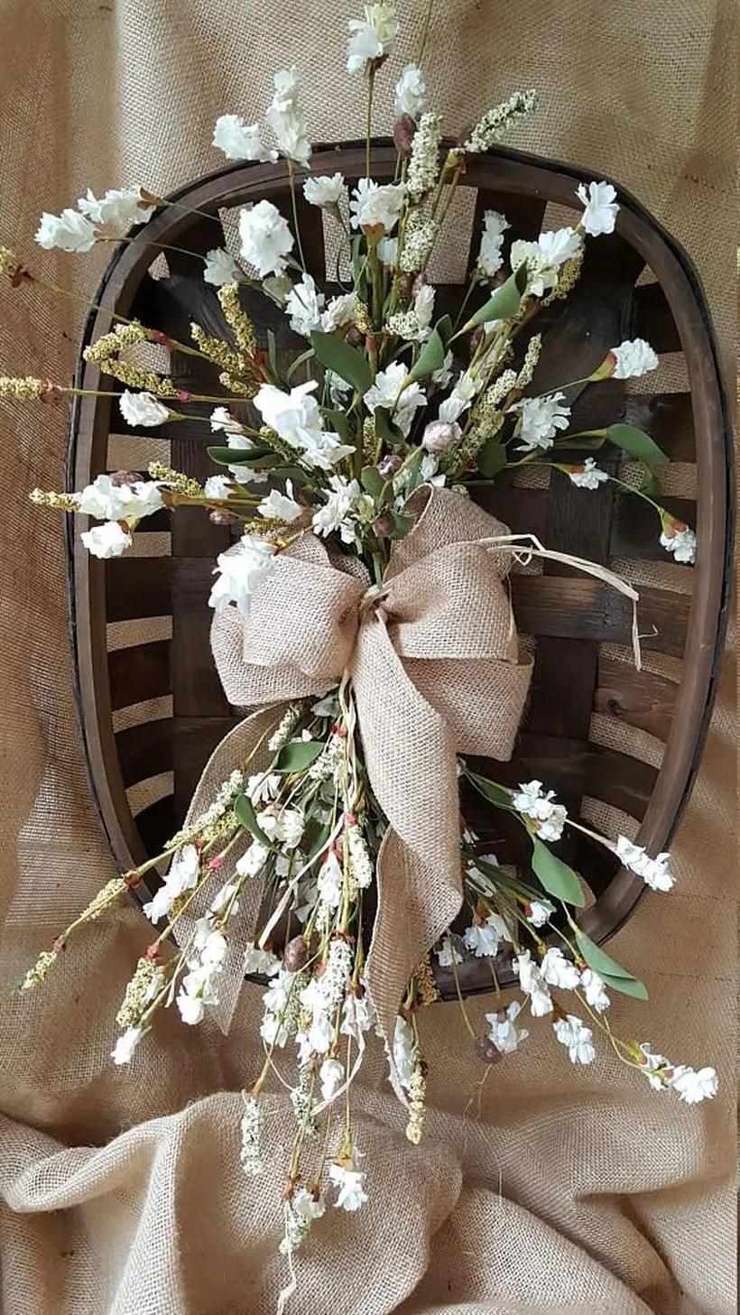 Black basket with flower
