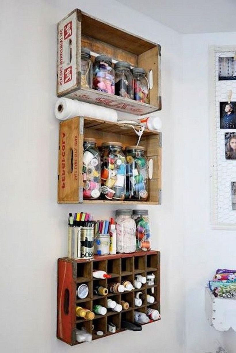Hanging wooden box to store toiletries