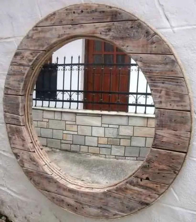 Round mirror with frame wooden pallet