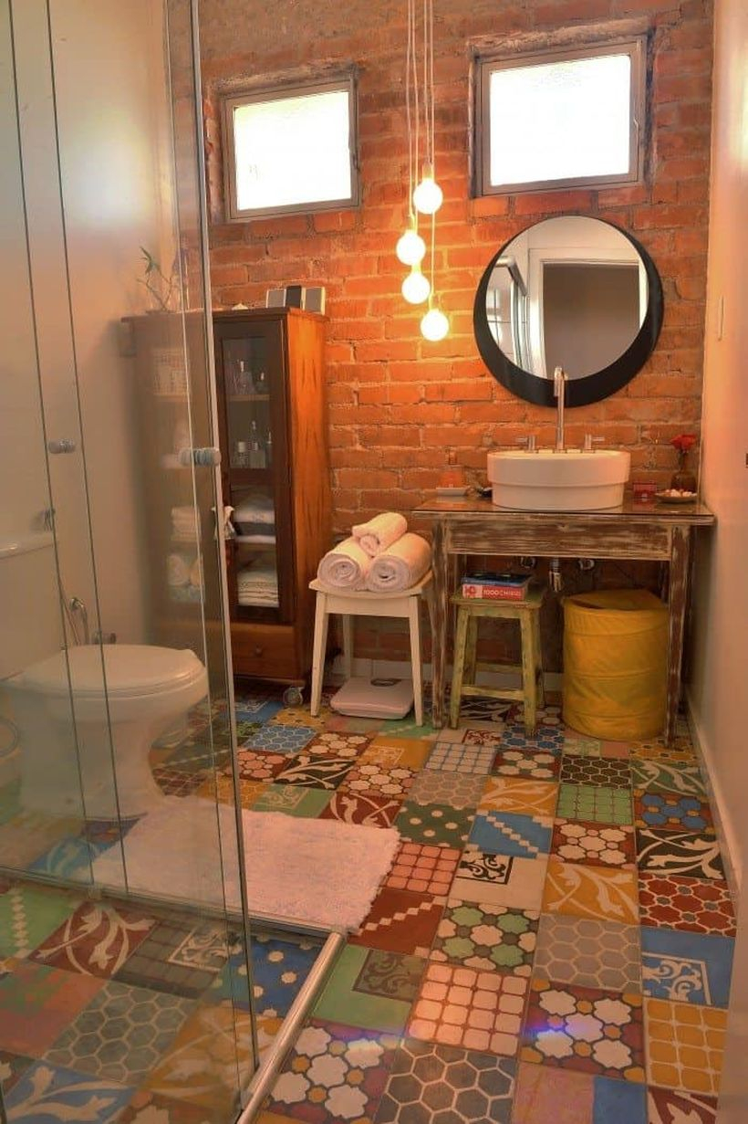 An amazing tile bathroom with classic pattern to look unique