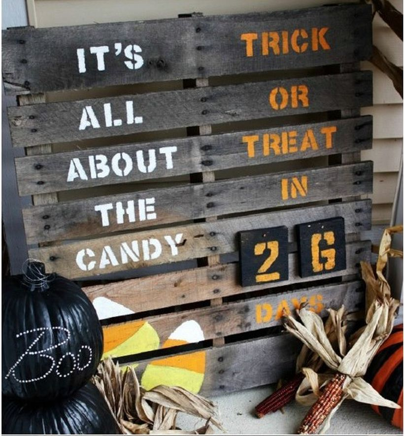 Black wooden pallet sentence board countdown and black pumpkin ideas