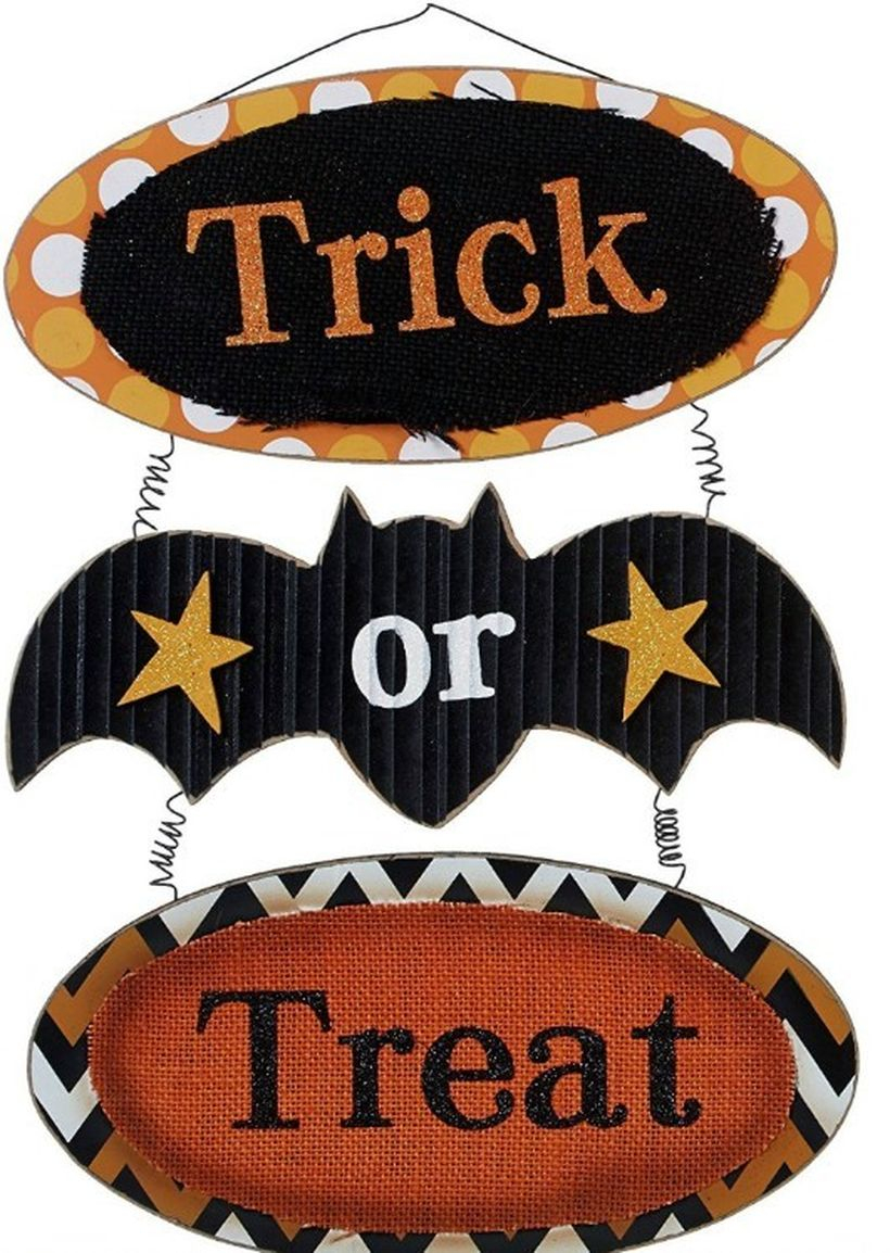 Hanging trick and treat wooden pallet board sentences for your outdoor ideas