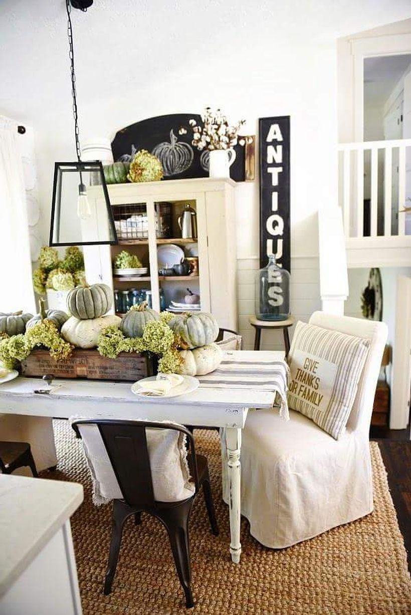 Heritage-neutral-dining-table-for-thanksgiving.-
