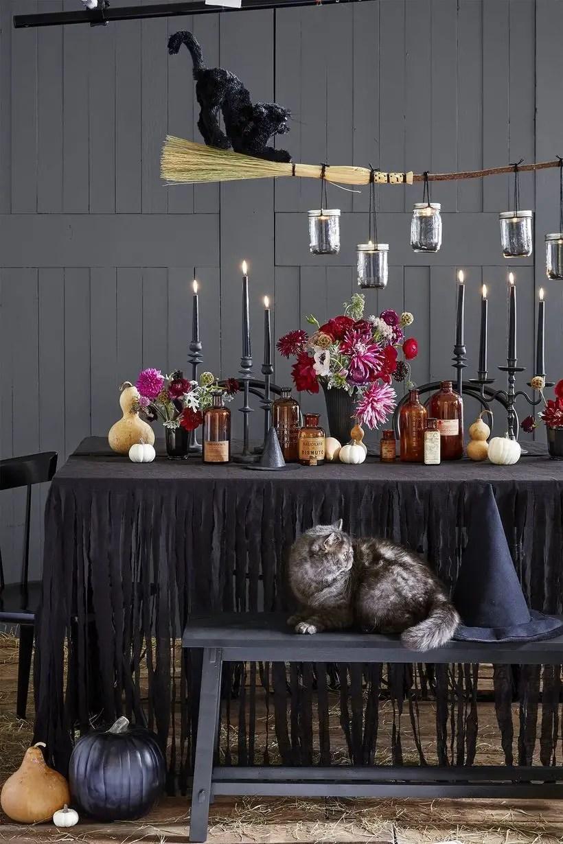 Arrangement centerpiece with decorative lighting