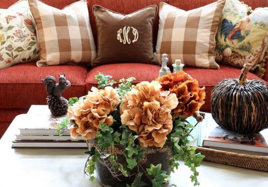 Fall-coffee-table-decor