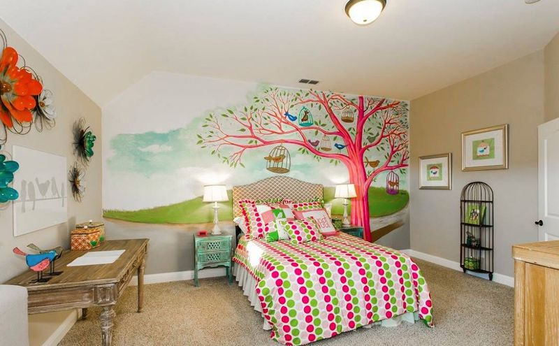 Nature-mural-and-trees-for-kids-room.