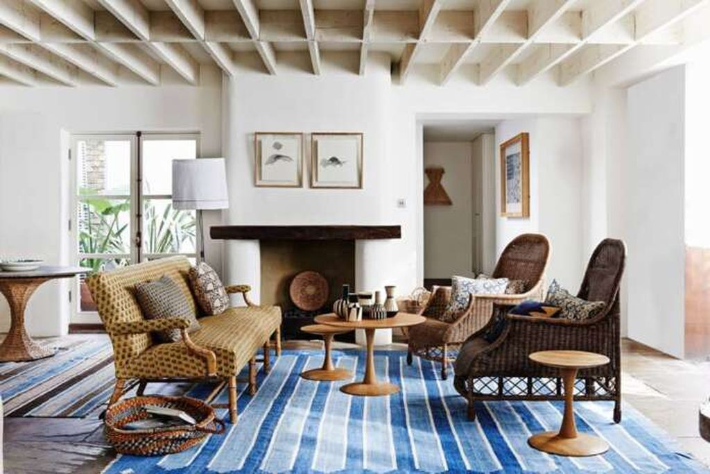 Striped rug to complete your farmhouse living room