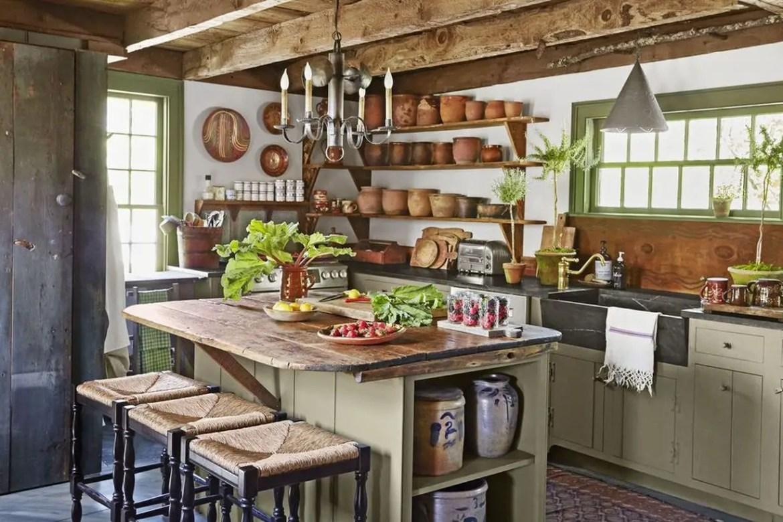 Black-countertop-design-and-wooden-kitchen-island