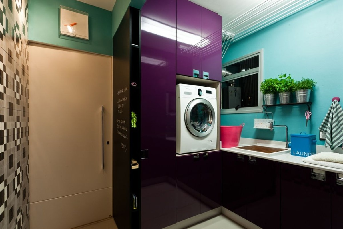 Laundry room with purpple cabinet decoration