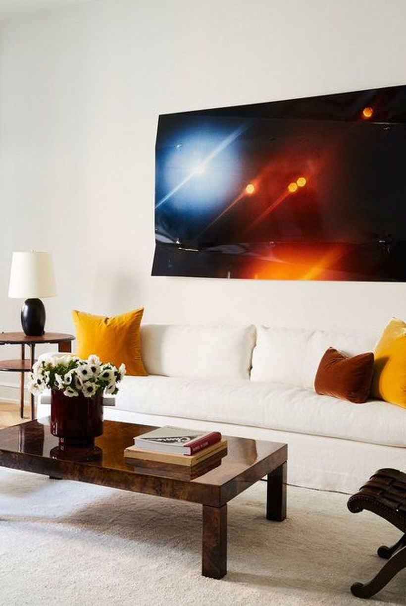 Simple-large-coffee-table-and-round-table-lamp