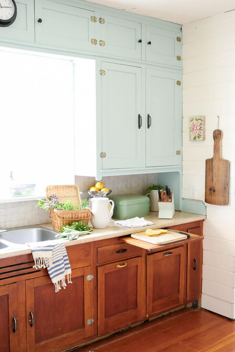 Vintage-kitchen-design-with-wooden-kitchen-cabinet-and-space-drawer-for-slicing-vegetables-that-will-make-it-easier-for-you
