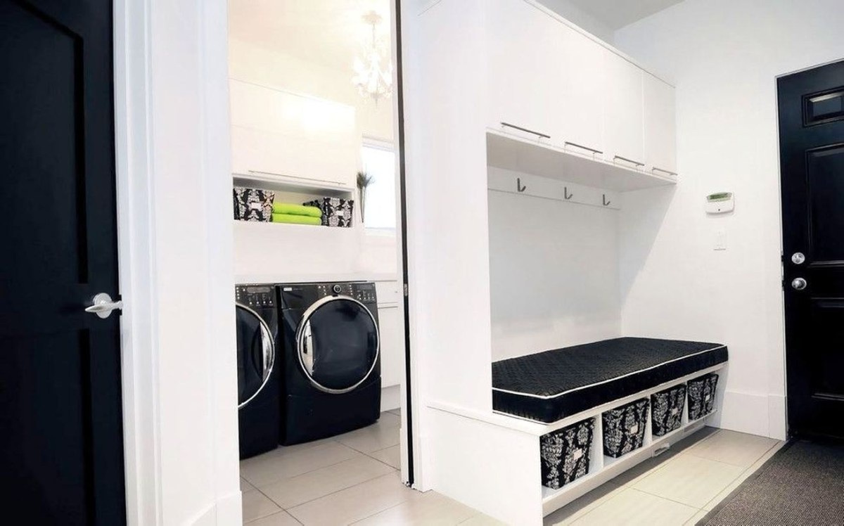 White laundry room decoration