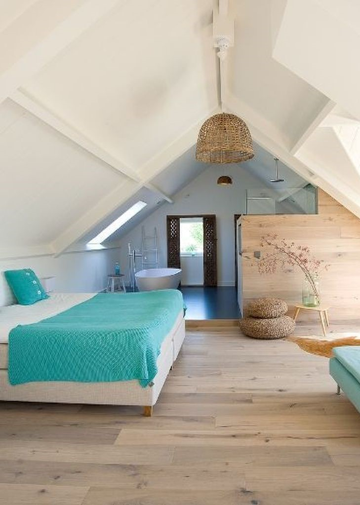 Wooden floor to perfect your loft bedroom