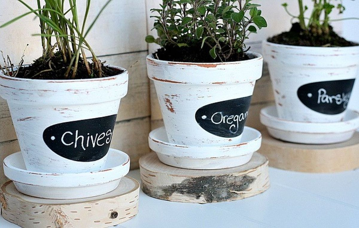 1these-diy-herb-pots-are-so-cute-via-designdininganddiapers.com_