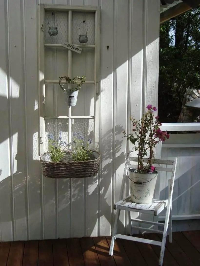 28-old-window-outdoor-decor-ideas-homebnc
