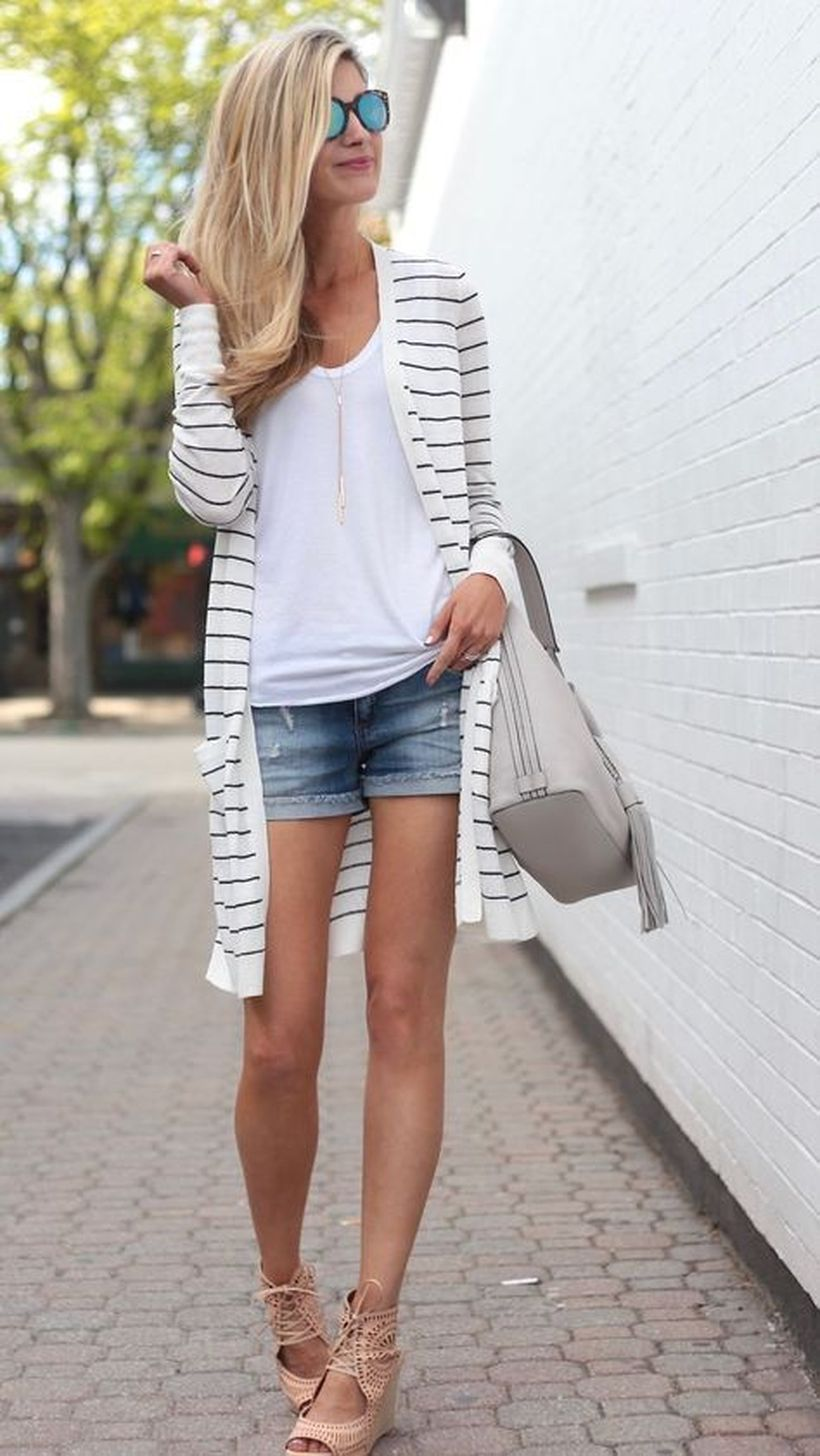 7summer-outfit-ideas-striped-duster-cardigan-with-denim-cutoffs