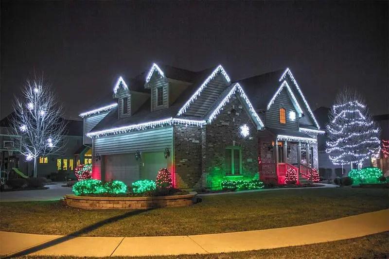 Exterior-christmas-lights-idea