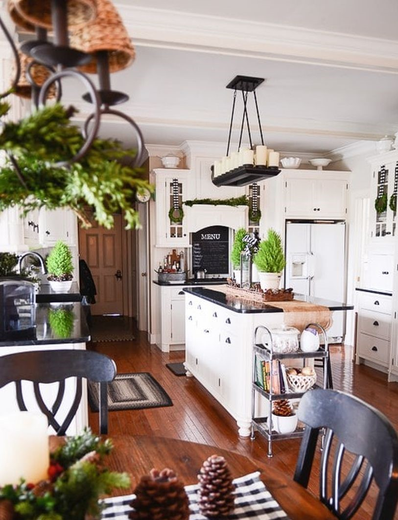Farmhouse-christmas-kitchen3-1