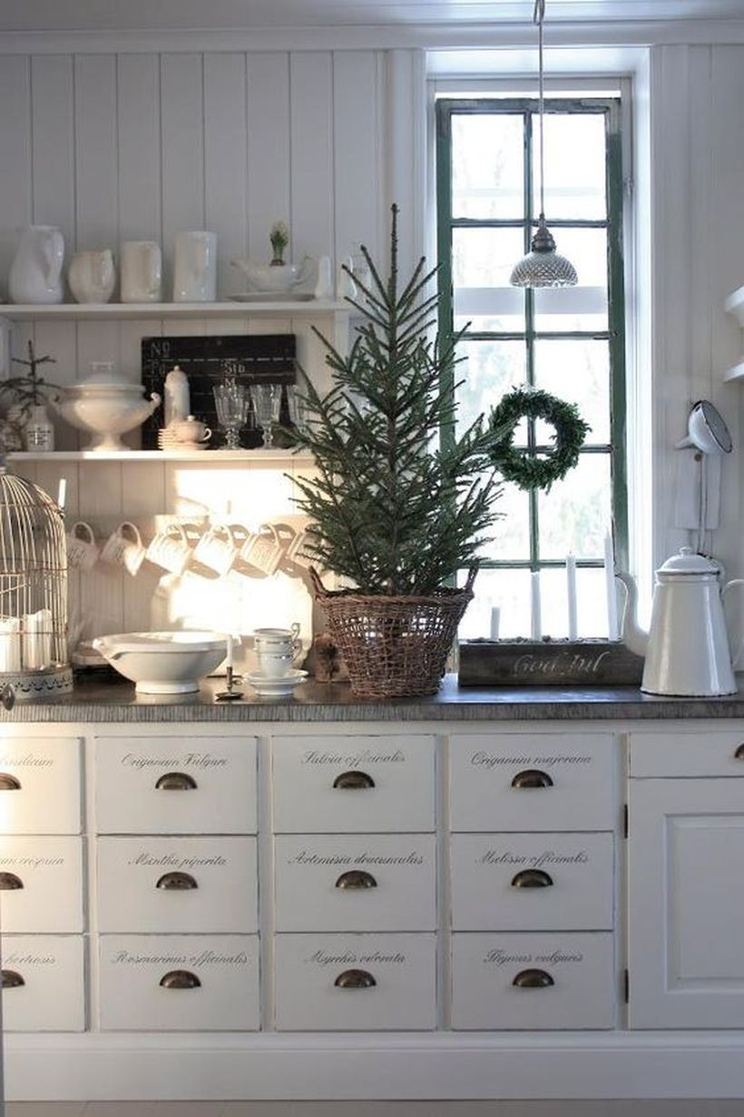 Farmhouse-christmas-kitchen8-1
