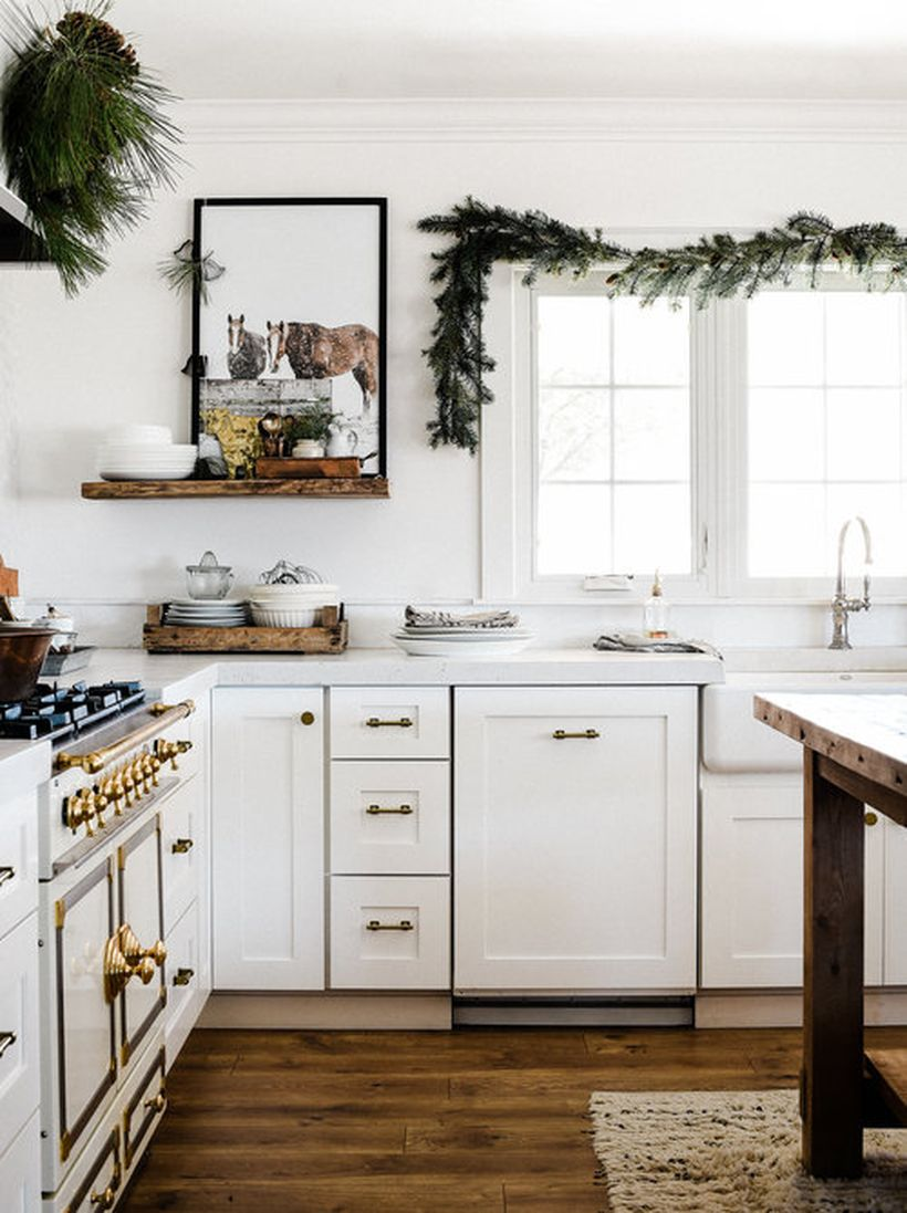Farmhousechristmasdecoratingideasforaminimalchristmas_boxwoodavenue