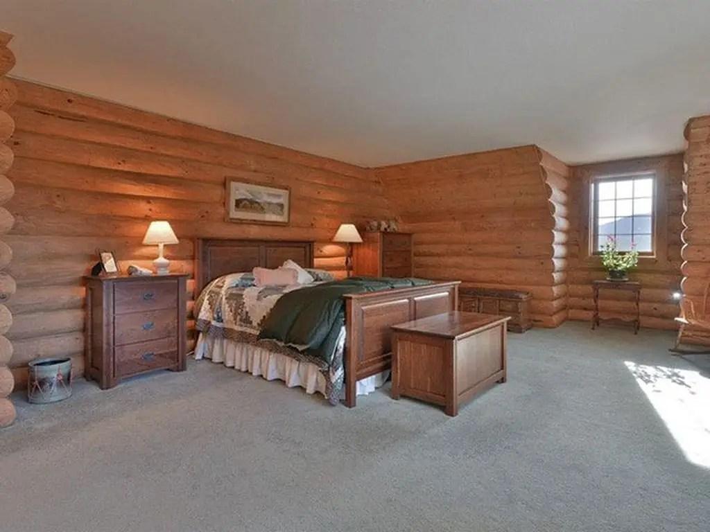 Full-log-room