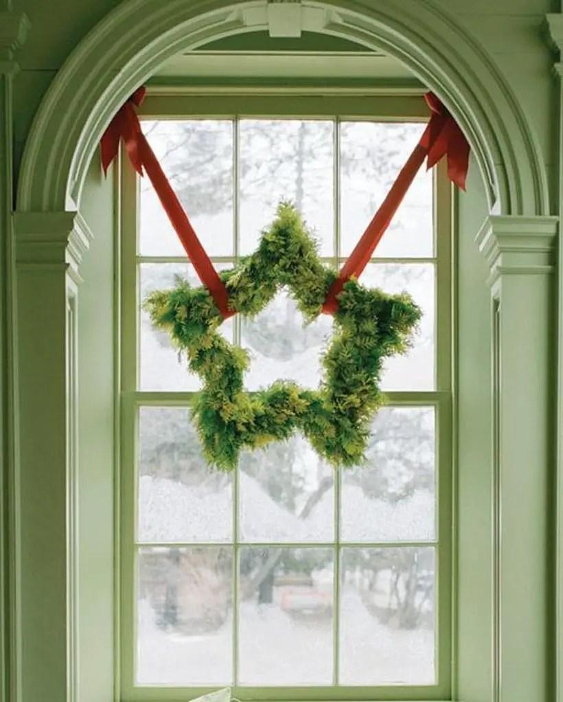 Green stars wreath decoration