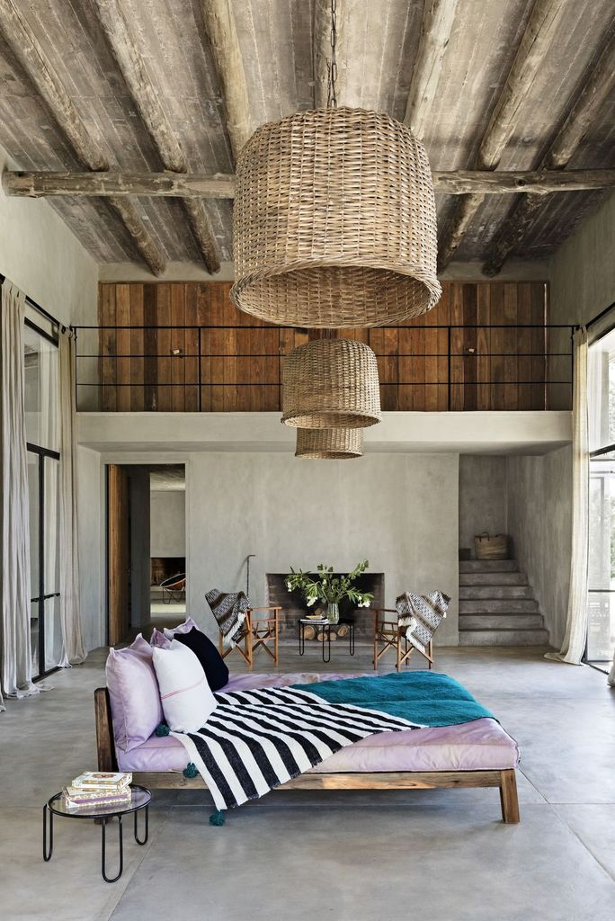 Rustic living room design with rattan chandelier