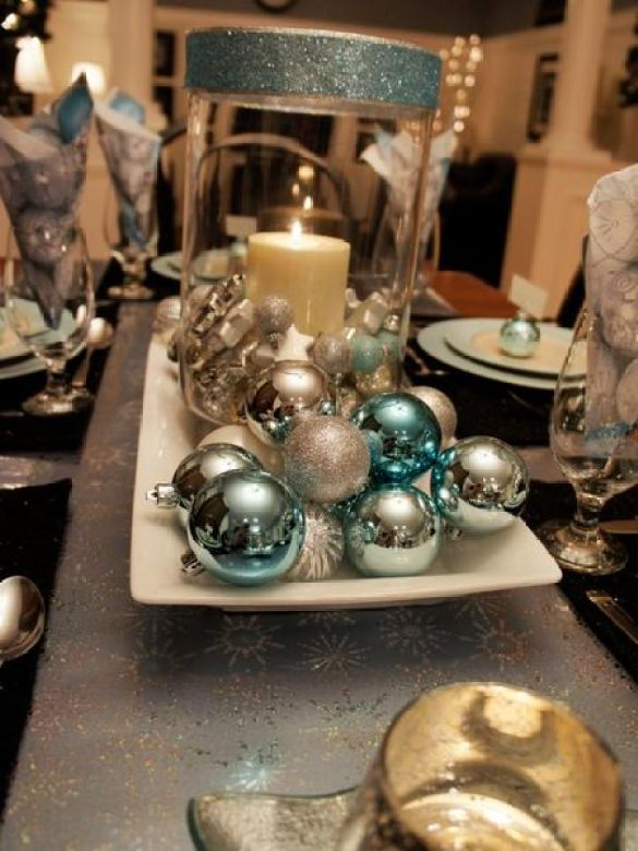 Silver-and-blue-ones-here-pull-the-centerpiece-together.