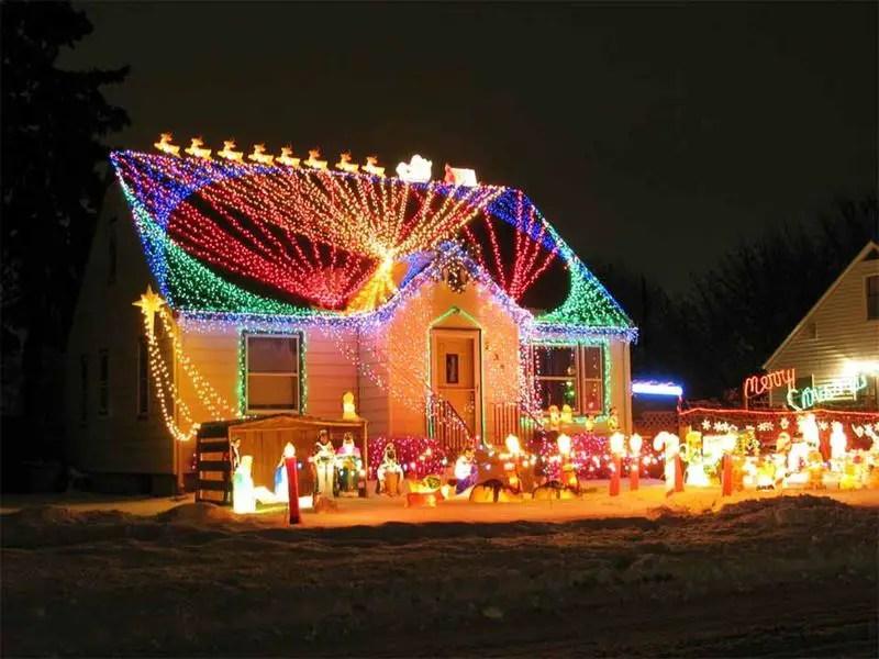 Stunning-christmas-light-display
