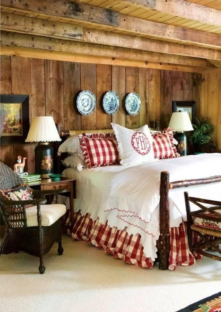 Wooden bedroom design for winter
