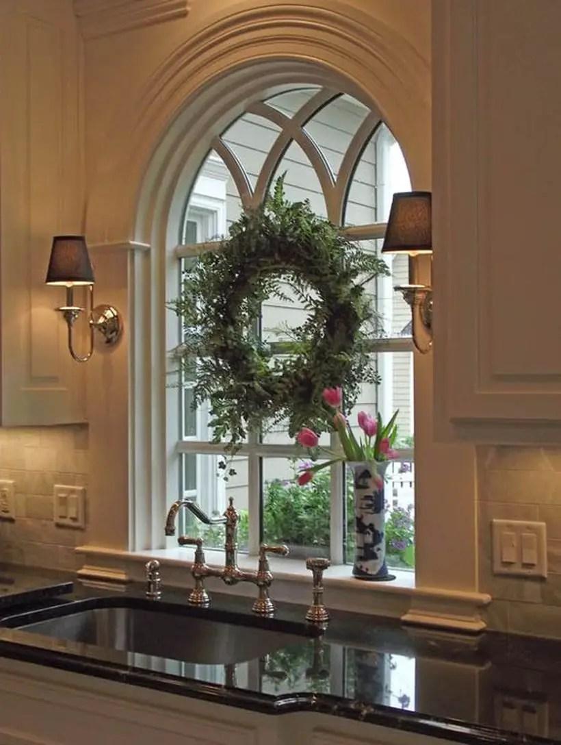 Green wreath decoration