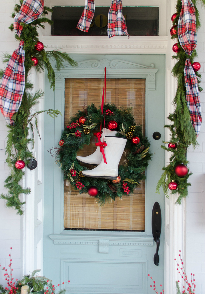 Diy-wreath-ideas-boots