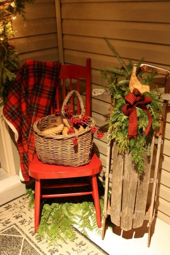 Fun-and-creative-sleigh-decor-ideas-for-christmas-13-554x831