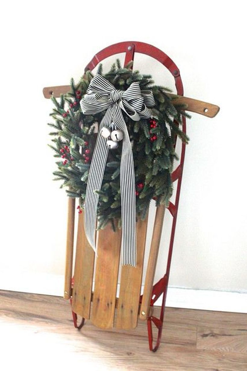 Fun-and-creative-sleigh-decor-ideas-for-christmas-22