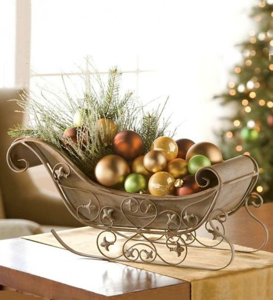 Fun-and-creative-sleigh-decor-ideas-for-christmas-29-554x608