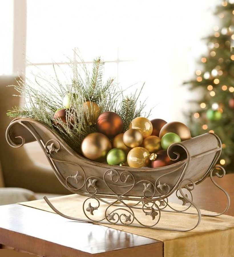 Fun-and-creative-sleigh-decor-ideas-for-christmas-29-554x608