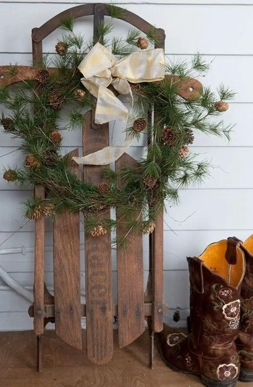 Fun-and-creative-sleigh-decor-ideas-for-christmas-8